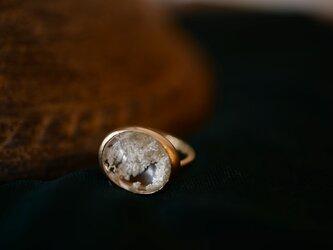 花香 ホワイトガーデンクオーツのリングの画像