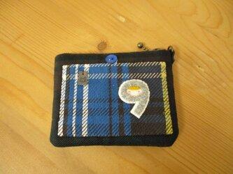 M様ご予約品 猫(チャコール、黄緑マフラー)カードケースの画像