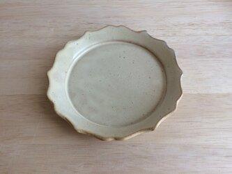 稜花リム平皿(アイボリー)の画像