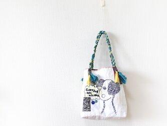 受注製作☆刺繍バッグ「イヌも歩けば」の画像