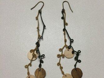 絹糸の枝のピアス  woodの画像