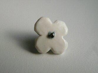 陶の花のピンバッチの画像