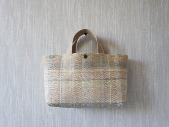 裂き織りのバッグ Mサイズ横長 格子の画像