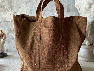 vintage damask cloth  bag (brown)の画像