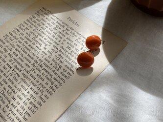 ベイクドカラーカボションピアス Vintage taste earringsの画像