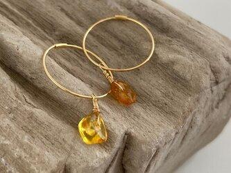 K18◇琥珀原石フープピアス◇k18 raw amber gold Foop Studsの画像