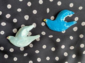 青い鳥のブローチの画像