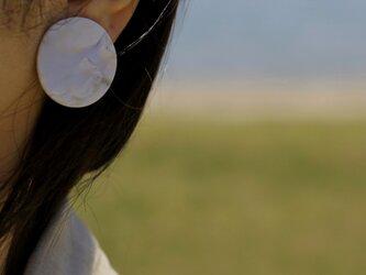 【一点もの】満月ピアス (金属アレルギー対応:サージカルステンレス316Lピアス) 【ポリマークレイアクセサリー】の画像