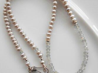 シルバー淡水パールとラブラドライトのネックレスの画像