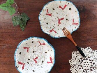 ハート柄の取り皿の画像