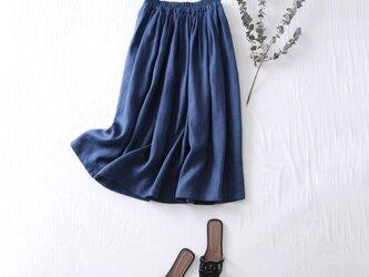 こだわりの着回しやすさと着やすさ リネン100% タックギャザースカート 青 210401-4の画像