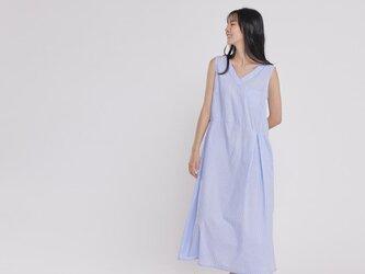 Holly Vネック  ノースリーブ  ポケット付きロングドレス  ブルーストライプの画像