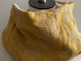 ハンドメイド*ネックウォーマーマスタード紫陽花刺繍パッチ3重ガーゼの画像