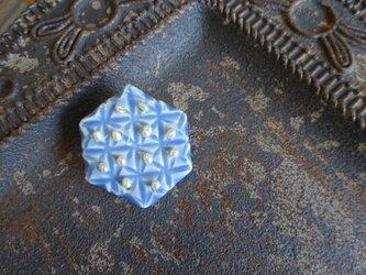 キリコ模様の六角broachの画像