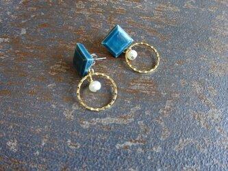 八角とgold ringと淡水パールの陶ピアス/イヤリング(深緑)の画像
