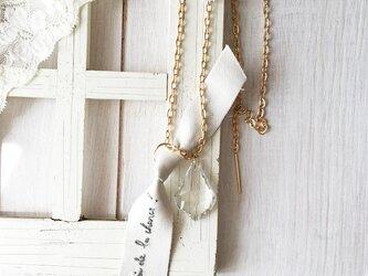 ヴィンテージシャンデリア ネックレス フランス名言刺繍 リボン / Jai...の画像