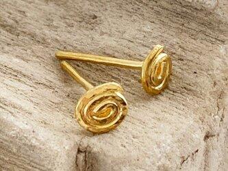 K24 Pure Gold Hammered Swirl Stud ◇鎚目のついた純金の渦巻き・スタッドピアス◇片耳分~の画像