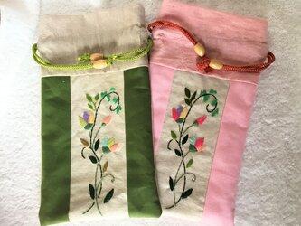 花刺繍のたて長巾着の画像