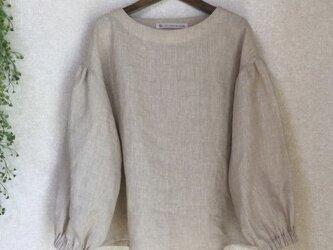 リネン100% ふんわり袖のブラウス 薄ベージュの画像