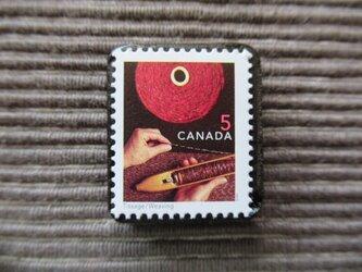 カナダ ティサージュ織り切手ブローチ7349の画像