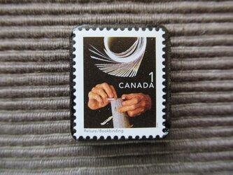 カナダ バインディング製本切手ブローチ7350の画像