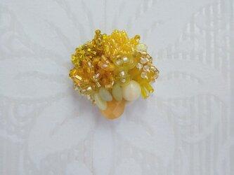 #67  刺繍ブローチ ミニ花束 黄色の画像