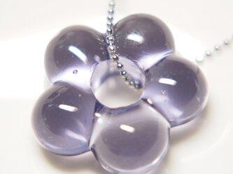 お花のネックレス 薄青紫の画像