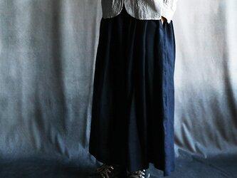 リトアニアリネンスカート紺の画像