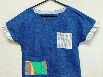 かすりポケットのTシャツ型ブラウスの画像