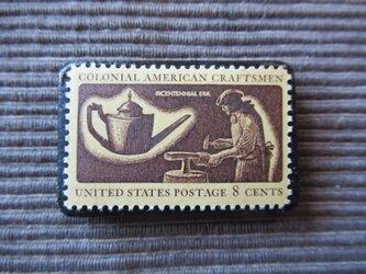 アメリカ 植民地時代の職人切手ブローチ 7359の画像