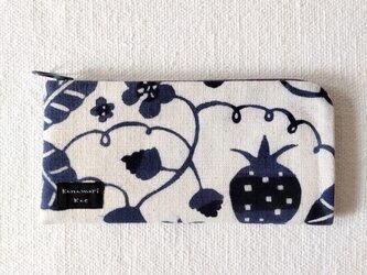 型染め 長財布「苺の庭」の画像
