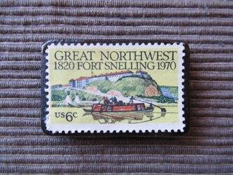 アメリカ  切手ブローチ 7364の画像