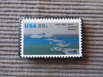 アメリカ  切手ブローチ 7365の画像