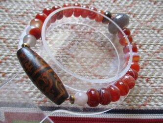 火供養宝瓶天珠と太鼓珠瑪瑙のブレスレットの画像