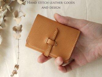 ☆受注制作☆総手縫い♪イタリアンレザーのボックスコインケース型三つ折り財布《ベルト付き》《キャメル》の画像