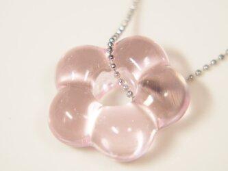 お花のネックレス 薄ピンクの画像