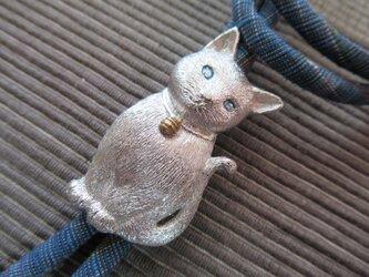 ループタイ「子猫」の画像