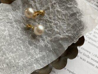 ヴィンテージスフレガラスパール10mmソフトタッチ痛みなくしっかりとホールドのイヤリングの画像