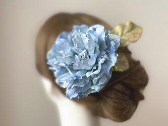 水色のピオニーとシャイニーリーフのヘッドドレス ブルー 芍薬 髪飾り 浴衣髪飾り フローレス フラメンコ 水色の画像
