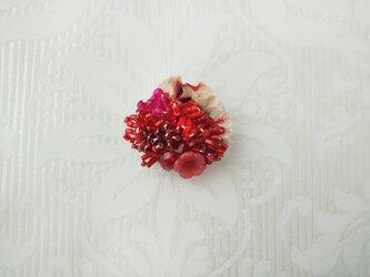 #68  刺繍ブローチ ミニ花束 赤の画像