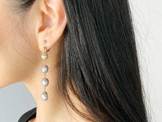 【6月の誕生石】喜びを引き出してくれる淡水パール(真珠)4連イヤリング/ピアスの画像