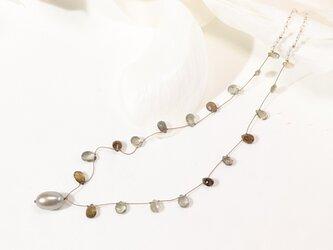 シリマナイトとパールのネックレスの画像