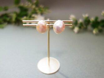 桜の花びらイヤリングの画像