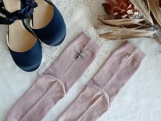 【S-Mサイズ 刺繍ソックス】Smoky pink Bee × Jasmineの画像