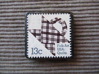 再販 アメリカ キルト 切手ブローチ 5523の画像
