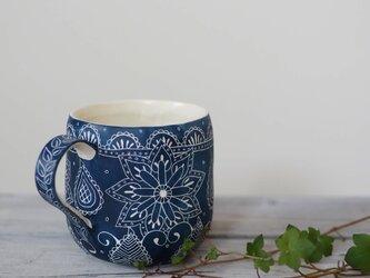 青いマグカップ1の画像