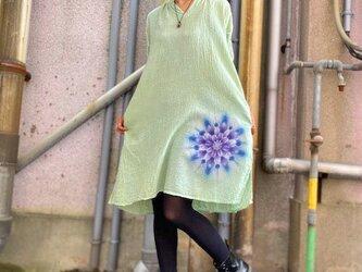 タイダイ染め 七分袖チュニック 優しいグリーンに幻想的な曼荼羅模様 Hippies Dye新作 HD13-83の画像