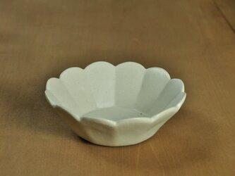 輪花切立4.5寸鉢/アイボリーの画像