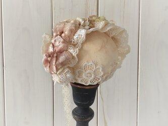 ドール用レースと染め花のヘッドドレス(L・パンジー・マロンピンク&アンティークホワイト)の画像