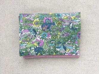 【送料無料】ポケットティッシュ、マスクケース リバティ 動物たちと花の画像